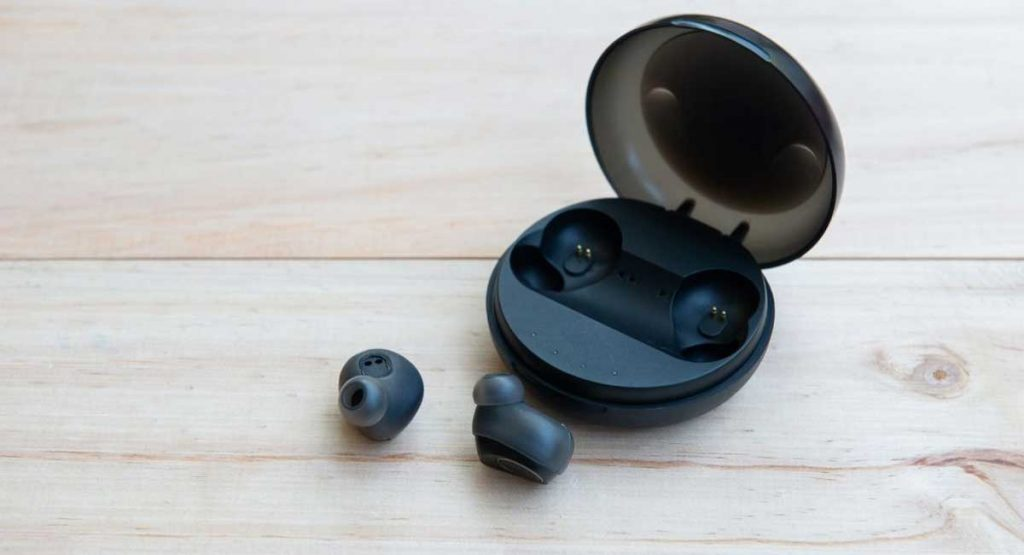 The 3 Best Earbuds For Small Ears